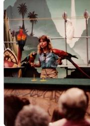 parrot-show